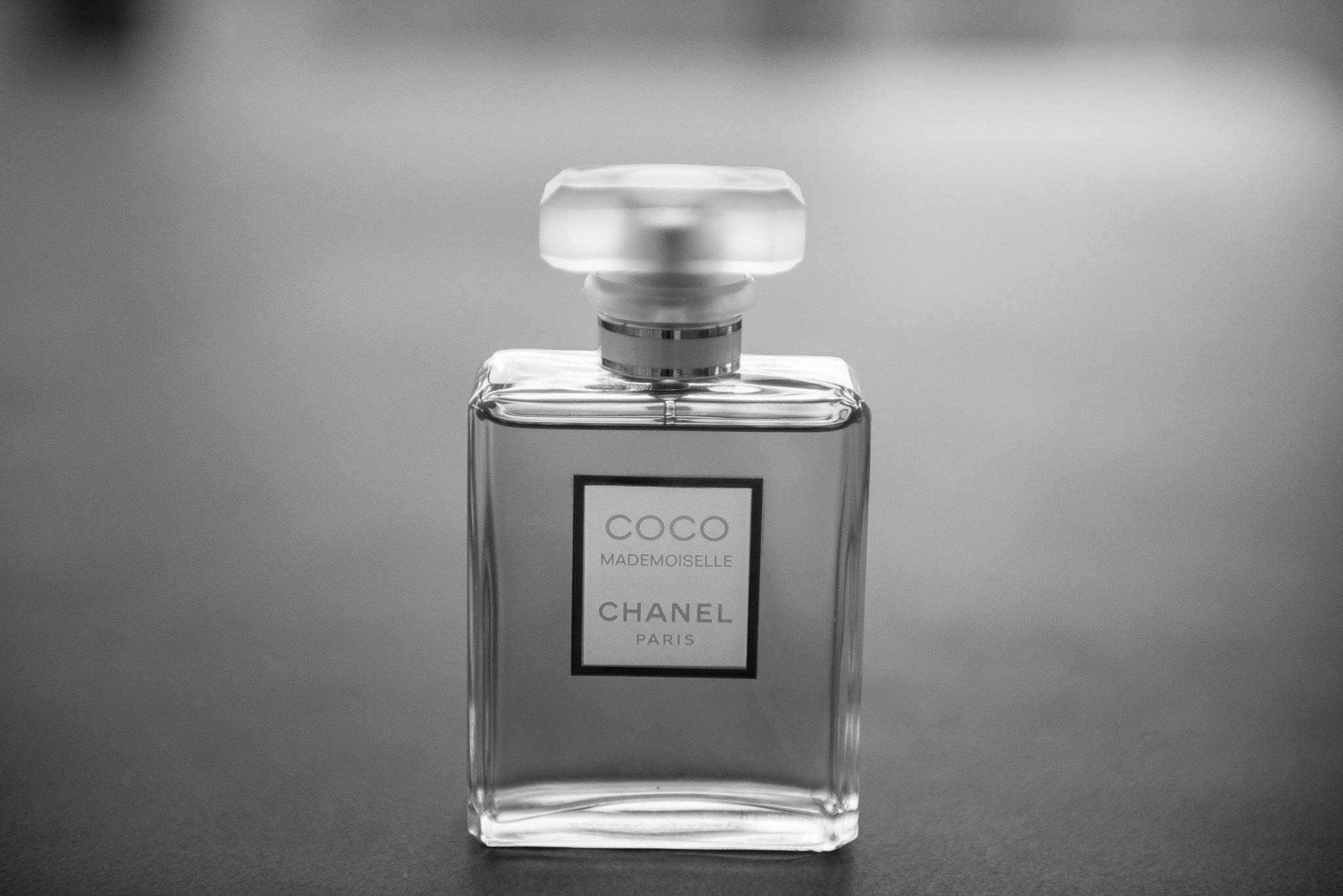 black-white perfume
