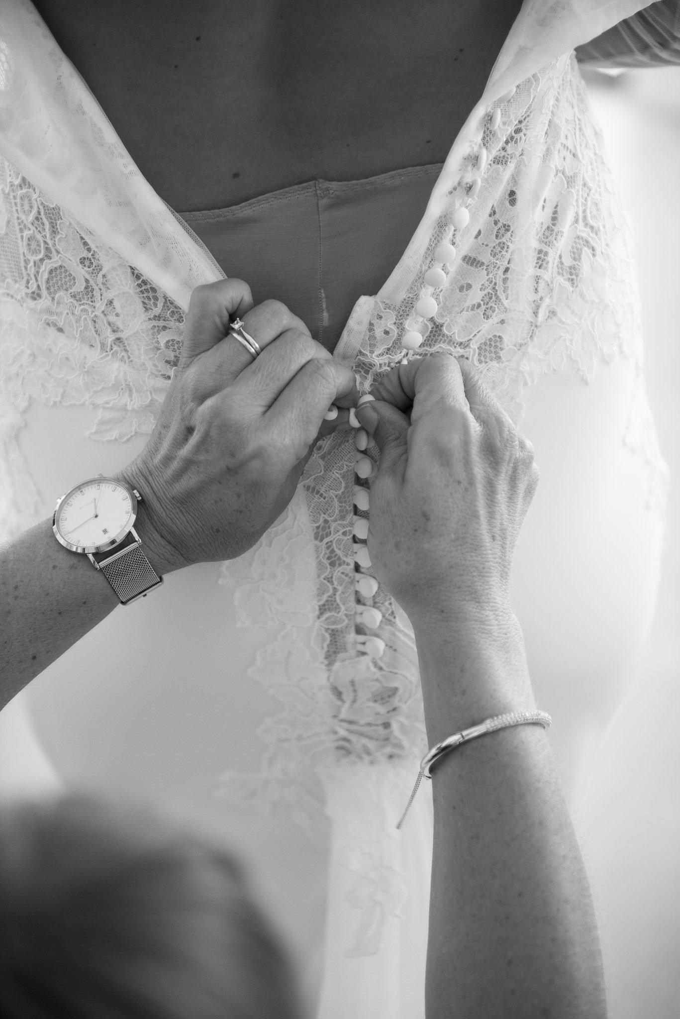 black-white buttoning wedding dress